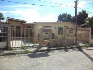 Casa En Venta Paraparal Los Guayos Carabobo 19-16819 Yala