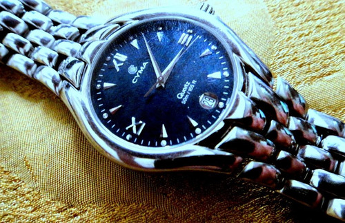 Relógio Cyma Le Locle