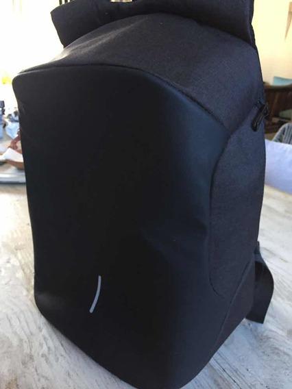 Bobby Original Anti-theft Backpack