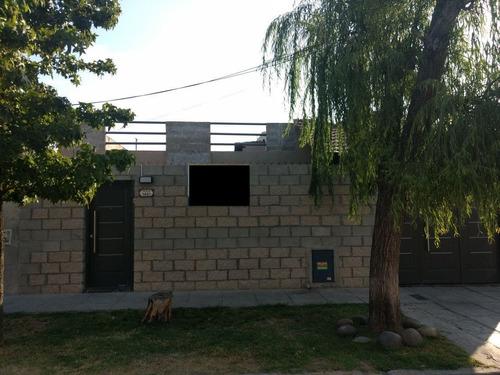 2 Casas De 4 Y 3 Amb, Ideal 2 Flias