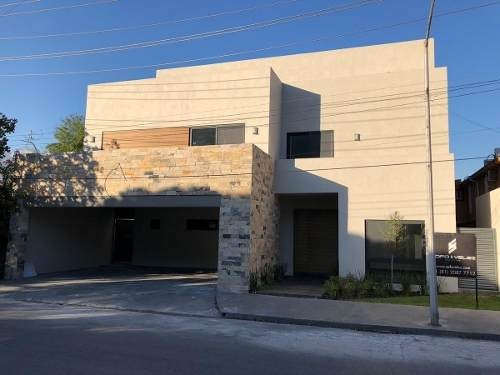 Casa En Venta En San Pedro Garza Lomas Del Valle
