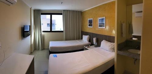 Apartamento Condo Hotel Com 1 Dormitório À Venda, 27 M² Por R$ 240.000 - Ponta Verde - Maceió/al - Fl0003