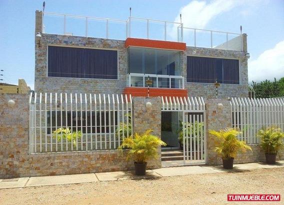 Hotel En Venta- Sector La Mira. Playa El Agua