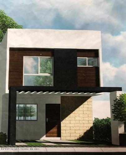 Casa En Venta En El Mirador, Queretaro, Rah-mx-20-2052