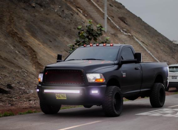 Camioneta Dodge Ram 2500 / Acepto Auto