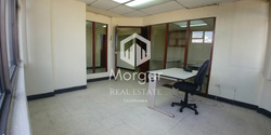 Alquiler Oficina En Zona 10, 100 Mts2 En $ 990 /código 419