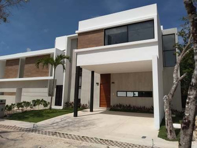Venta De Casas Residenciales En Playa Del Carmen