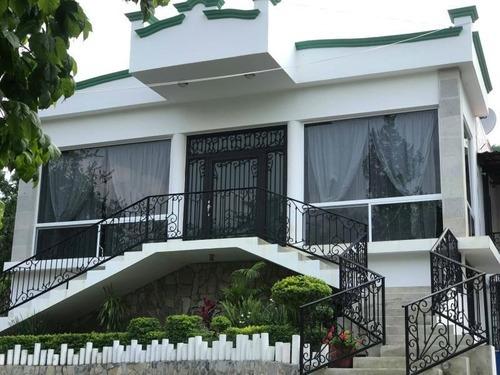 Casa En Venta En Huajuquito, Santiago