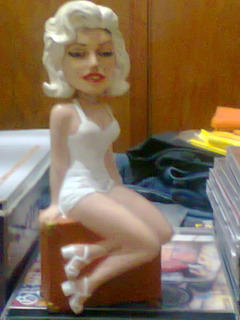 Muñeco Marilyn Monroe Bathing Suit Wacky Wobbler Funko Kxz