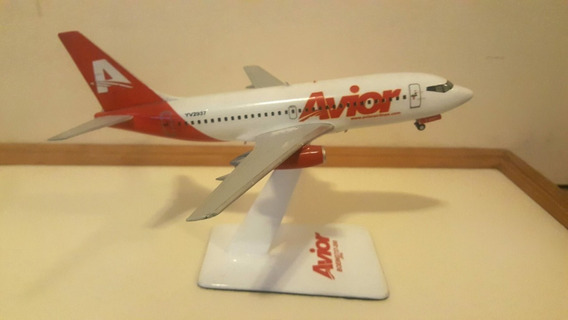 Avion A Escala 1/144 Boeing 737 Avior Airlines