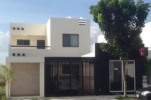 Casa En Avenida Principal En Americas Ii Perfecta Para Comercio