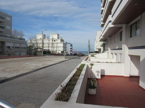 Apartamento En Península 3 Dormitorios Con Garage- Ref: 5297
