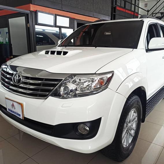 Toyota Fortuner Diesel 3.000 Automát
