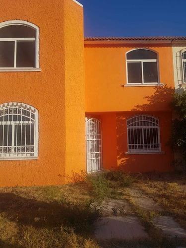 Casa En Privada, Tres Recamaras, Cerca De Tulipanes