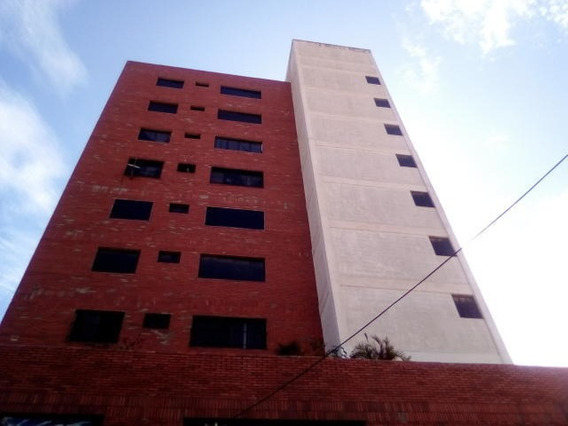 Apartamento En Venta Centro Barquisimeto Lara 20-2674
