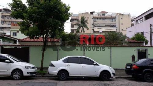Casa De Rua-à Venda-praça Seca-rio De Janeiro - Vvca30045