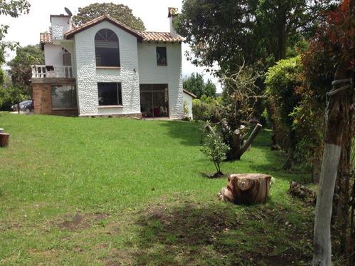 Vendo/permuto Hermosa Casa Campestre En Yerbabuena. 2500 M2