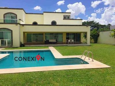 Residencia En Venta En Mérida Con 1,250m2 De Terreno En Zona De Alta Plusvalía!