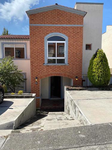 Imagen 1 de 12 de Hermosa Casa En Fraccionamiento Privado
