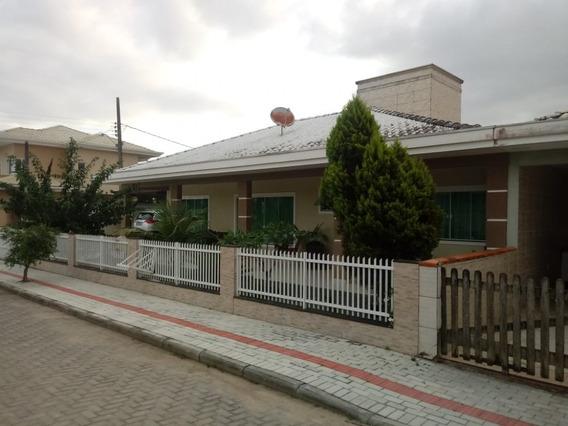 Casa Para Venda No Itacolomi Em Balneário Piçarras - Sc - 722
