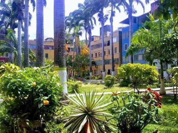 Apartamentos En Venta En Cabudare Lara 20-3309