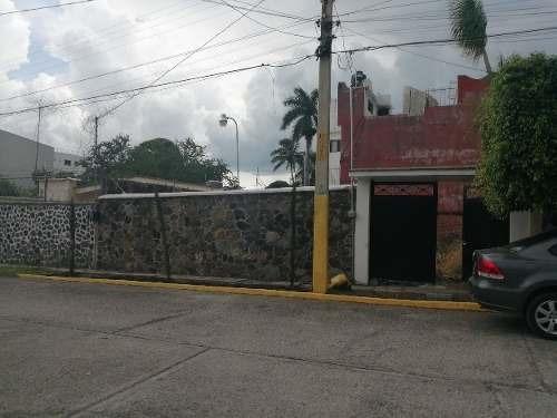 Terreno Centrico En Manantiales Atras De Office Depot