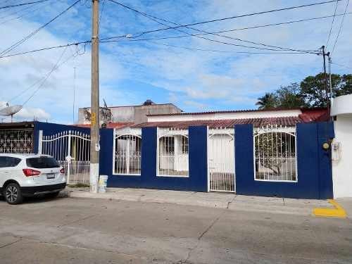 Casa En Renta Calle Sección 10, Petrolera