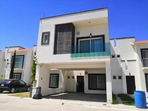 Casa Sola En Venta Residencial Los Lagos