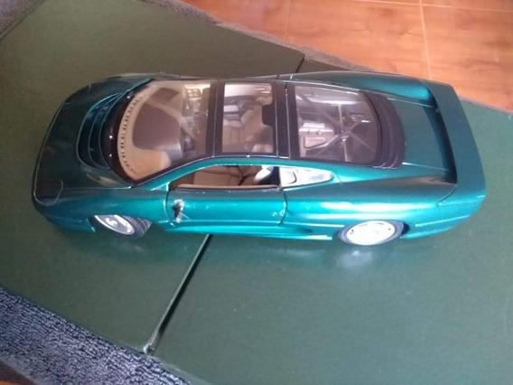 Miniatura Jaguar Xj220 1/18