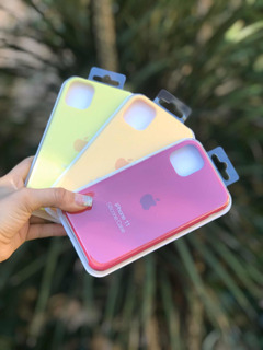Silicone Case iPhone 11 + Vidrio Templado 6d