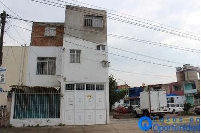 Casa En Venta En Col. Miravalle, Guadalajara