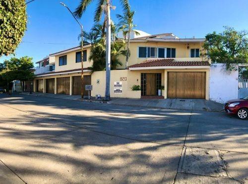 Imagen 1 de 5 de Se Vende Residencia Con Grandes Espacios