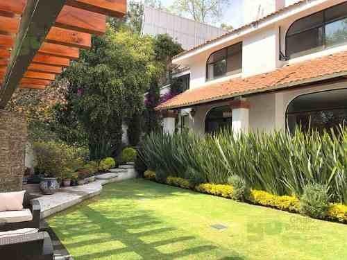 Casa En Venta En La Herradura En Calle Cerrada Y Jardín, La Herradura, Huixquilucan