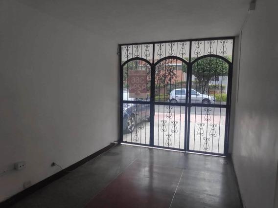 Venta De Casa Hotel En La Castellana, Medellín
