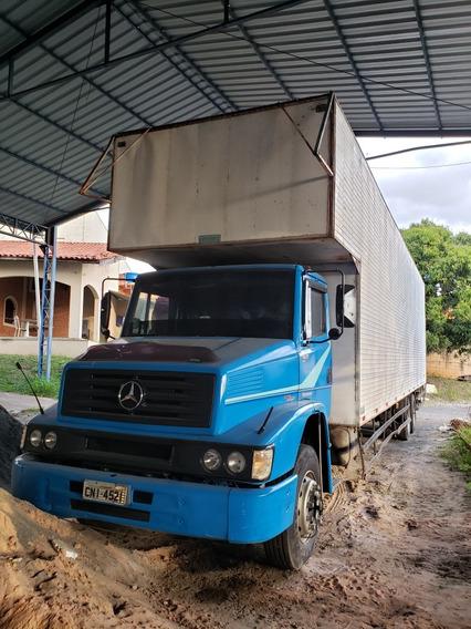 Caminhão Mb 1622 6x2 Bau 11 M - Ano 2003