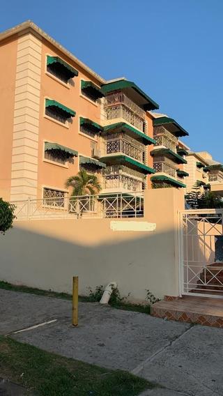 Alquilo Excelente Apartamento En Residencial En Las Praderas