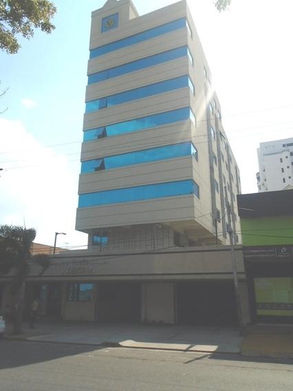 Oficina Avenida Andrés Eloy Blanco Valencia. Wc
