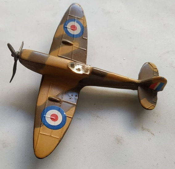 Avión 2° Guerra Mundial De Metal 8 X 10 Cm