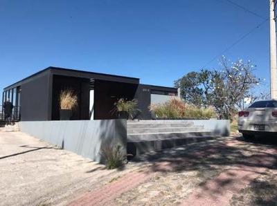 Preciosa Casa Con Vista Increible En Las Cañadas