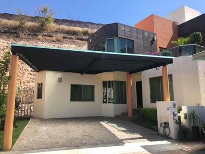 Casa En Fraccionamiento Privado Morelia Muy Amplia
