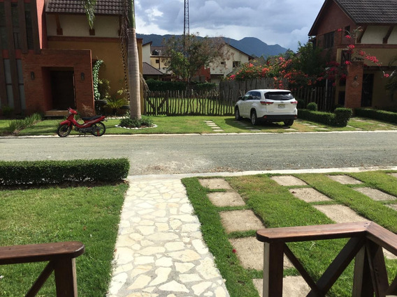 Casa Vacacional. Jarabacoa, La Vega