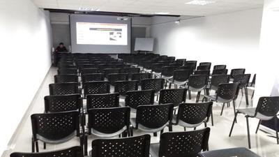 Sala De Capacitación Conferencias, Cursos Hasta 90 Personas