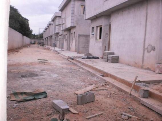 Sobrado Para Venda Em Suzano, Caxangá, 2 Dormitórios, 2 Banheiros, 1 Vaga - F691