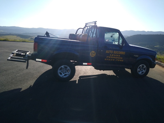 Ford F-1000 4.9