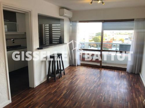 Alquila Divino Apartamento Parque Batlle De 2 Dormitorios.