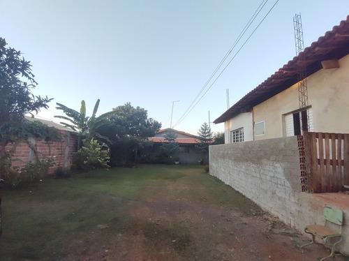 Chácara  Com Três Casas