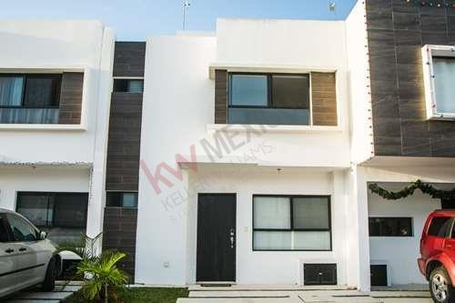 Casa En Renta - Residencial Playa Del Sol - Playa Del Carmen - Quintana Roo - Mexico