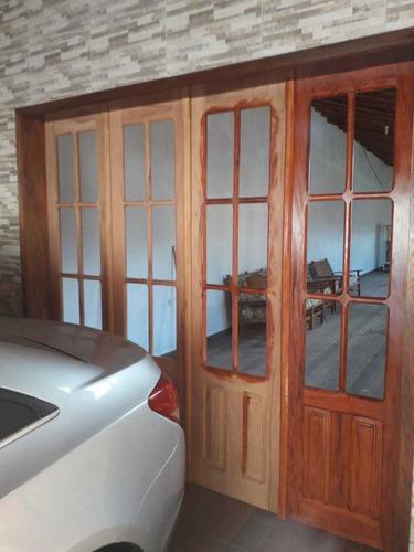 Imagem 1 de 5 de Portas De Madeira De Demolição Peroba