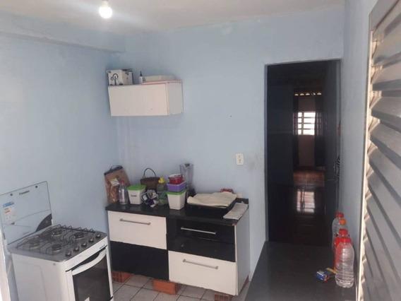Casa De Frente 4 Cômodos - Parque Santo Antônio