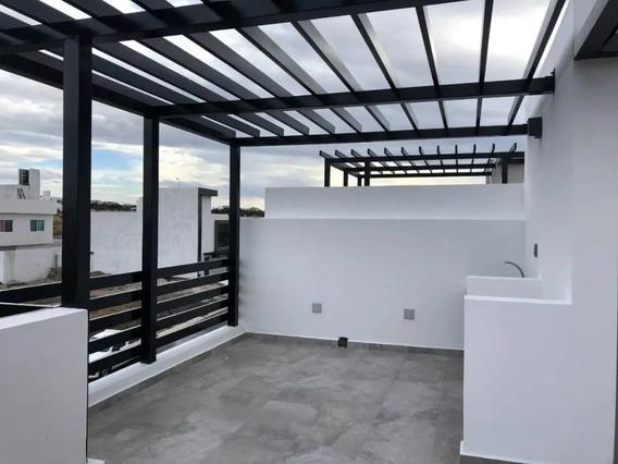 Hermosa Casa En Grand Juriquilla Preserve, 4 Recamaras, 3.5 Baños, Roof Garden